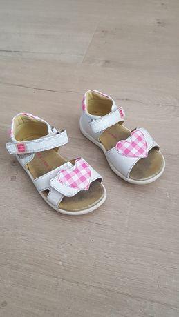 Sandałki dziewczęce r.22 skórzane