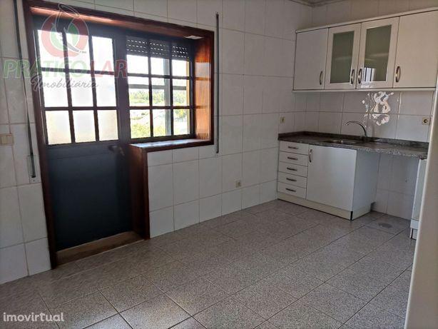 Apartamento T2 em Pardilhó