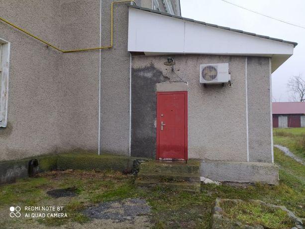 Продається нежитлове приміщення під магазин, офіс, смт. Першотравенськ