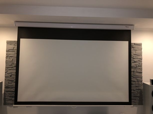 Ekran projekcyjny Optoma