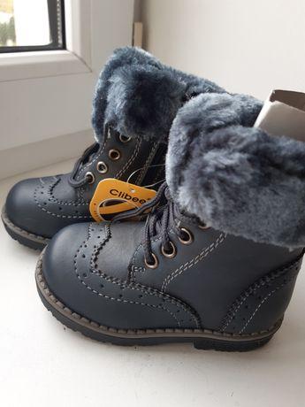 Нові зимові чобітки на хлочика