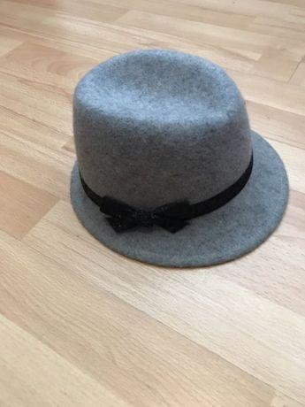 H&M kapelusz 146