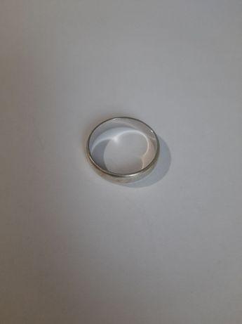 Продам серебряную обручалку ( размер 21,5 )