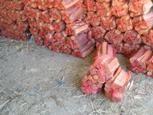 Продам дрова твердых пород для мангала в сетках. 15 дм.