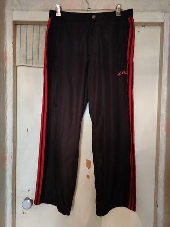 Продам олдскульные чёрные спортивные штаны Adidas