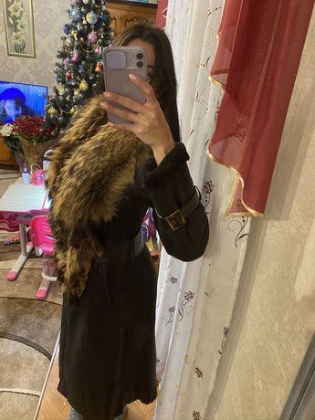 Продаю кожаную Дубленку с натуральным ЦЕЛЬНЫМ мехом енота!!!