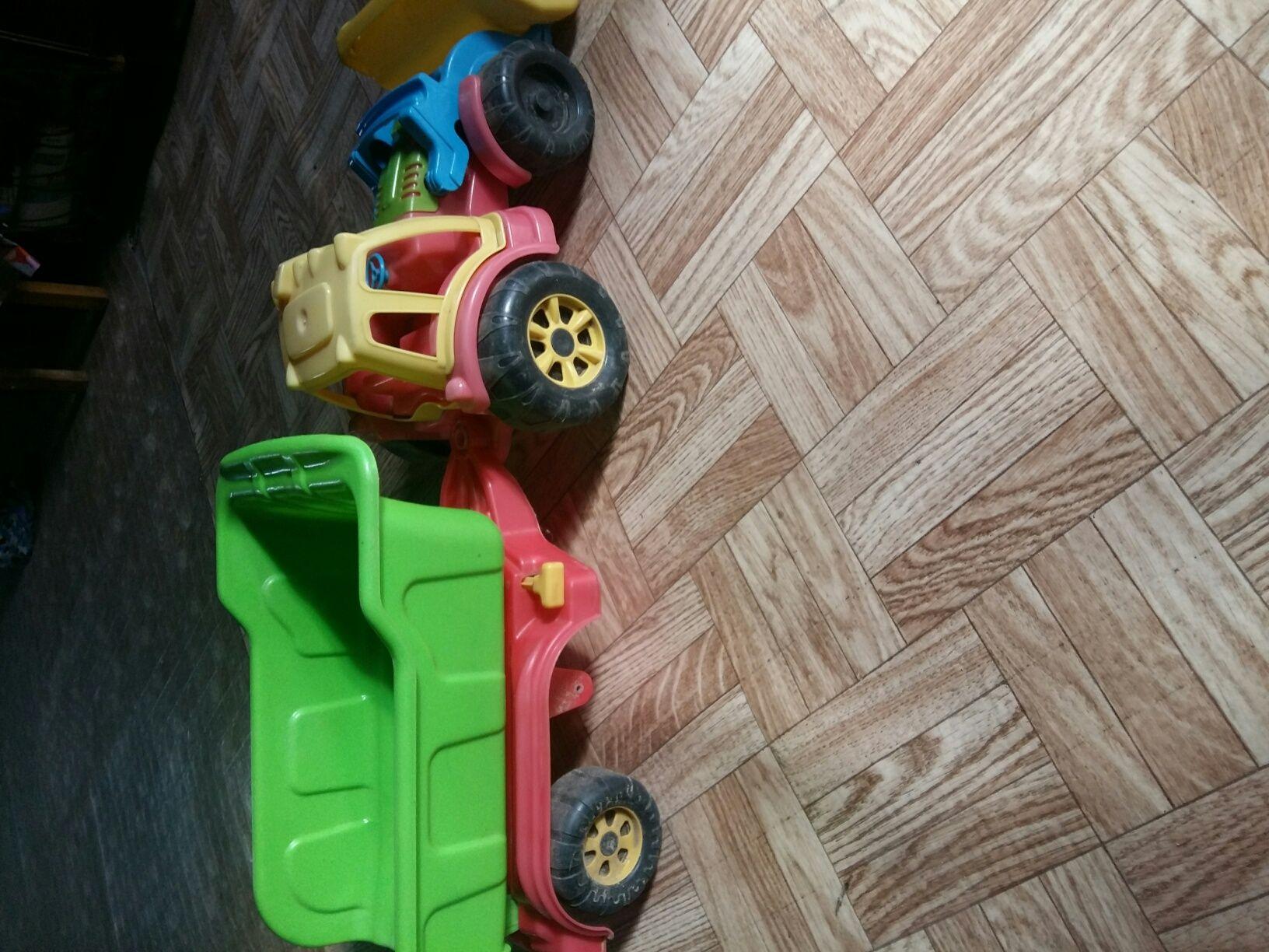 Traktor z naczepa