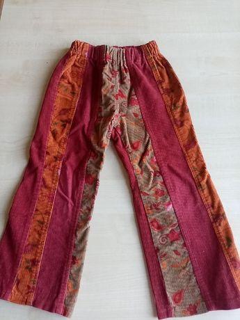 Яркие осенние вельветовые штаны