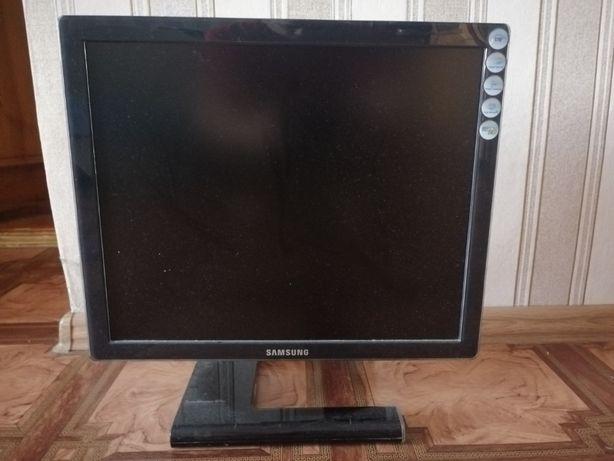 "SyncMaster 971P - ЖК-монитор класса ""Премиум"" 19 """