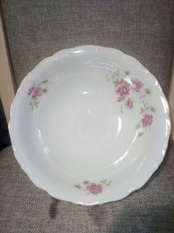 Фарфоровая глубокая большая тарелка. Чехословакия.