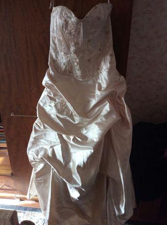 Красивое вечернее свадебное платье Goya