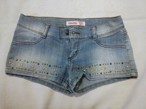 Джинсовые шорты для девочки-подростка