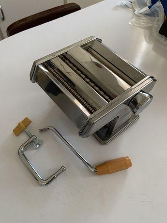 Máquina de fazer massa caseira