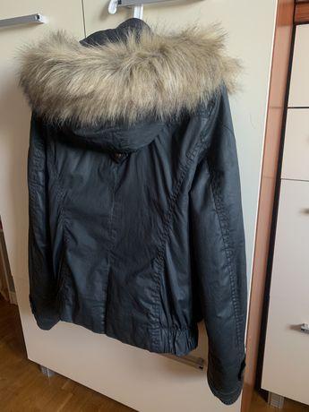 Kurtka zimowa jesienna ocieplana z futerkiem Bershka M