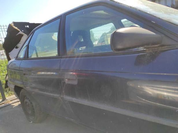 Opel Astra 1.7 D - Para Peças