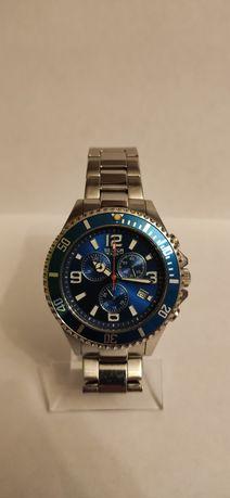 Продам кварцевые швейцарские мужские часы Sector 230