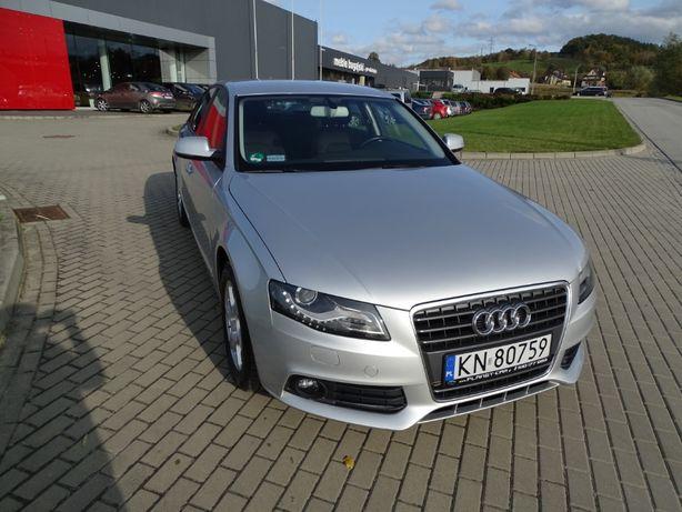 Audi A4/ Stan idealny/ Ks. serwisowa