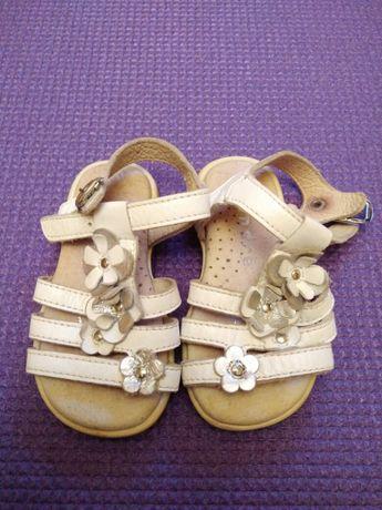 Детские сандалии (босоножки)