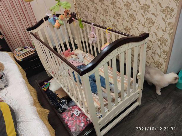 Продам детскую кроватку Veres ЛД3 маятник с ящиком ( слон. кость-орех)