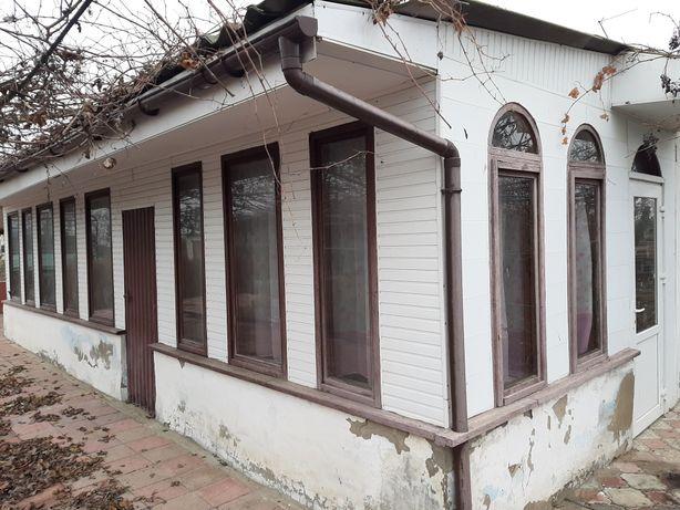 продам дом с.комуна голопристан.р-он не долеко от гейзера и от моря!!