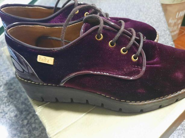 Sapatos bordoux Ruika