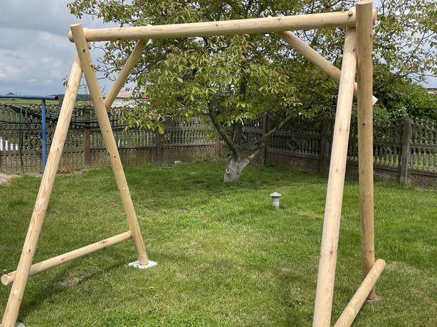 Hustawka drewniana , meble ogrodowe , bocianie gniazdo .