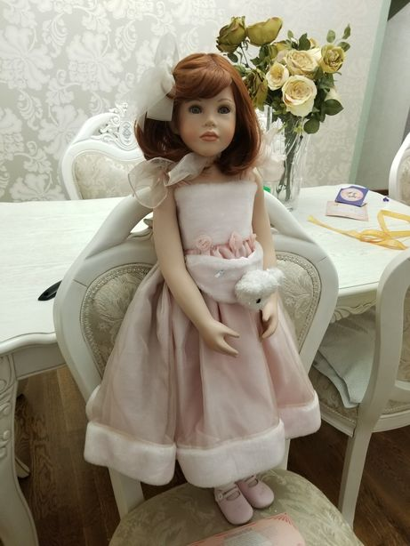 Фарфоровая коллекционная кукла Ванесса от Ruby doll
