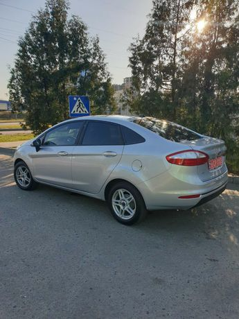 Форд фієста 2017рік