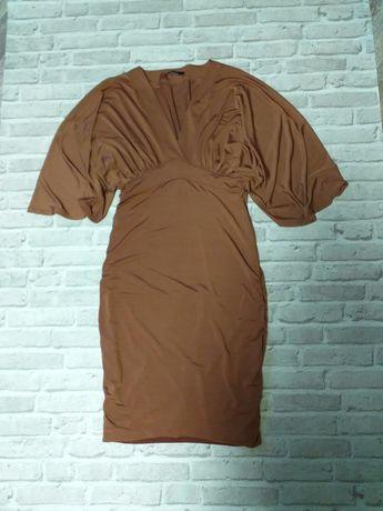Платье фирменное, нарядное