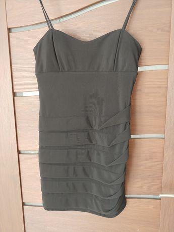 Sukienka-mała czarna- rozmiar L-40