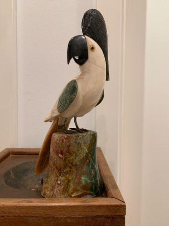 Pássaros em pedras semi-preciosas