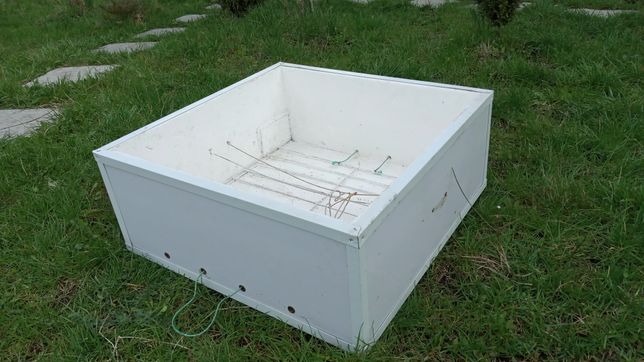 Инкубатор с електро датчиком температуры на 60 яйиц