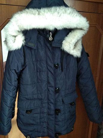 Продам куртку зимову. В хорошому стані.
