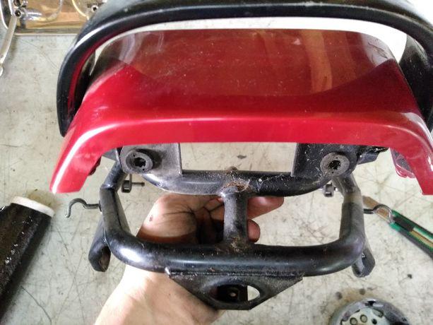 Łącznik za dupka owiewka Suzuki GSX-F GSXF KATANA 750 600