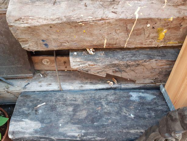 Vigas de madeira de castano 25 centimetros de quadrado com mais de 300