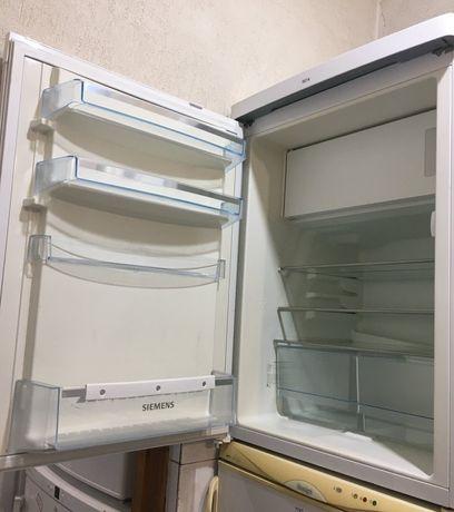 Компактний міні холодильник SIEMENS (85/60/60) з Німеччини