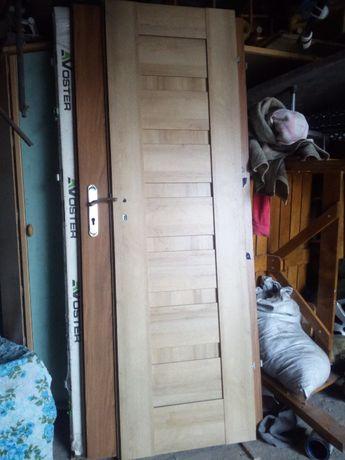 Sprzedam drzwi wewnętrzne lewe-szerokość 60cm