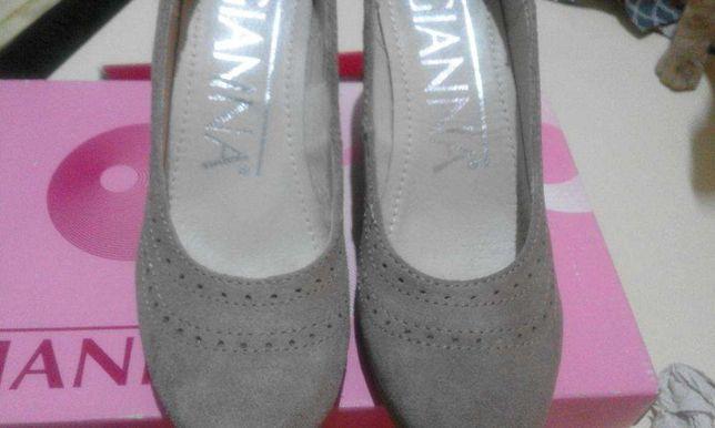 Sapatos camurça de cunha