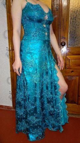 Прекрасное вечернее платье