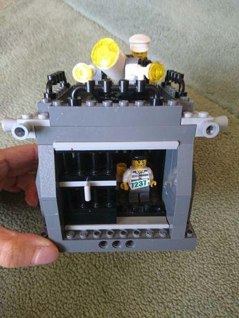 Конструктор LEGO CITY POLICE Тюрьма, камера для заключенных