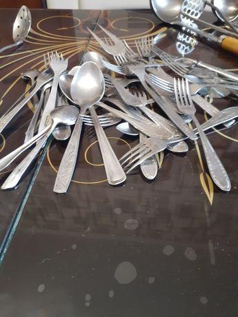 Вилки ложки ножи