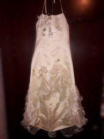 Платье детское, приталеное, белое, на удлинение, модель: рыбка.