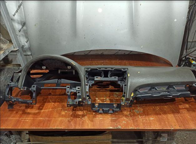 Торпедо Toyota Camry 40 brown. Разборка Camry 40 (2AZ-FE, U250E)