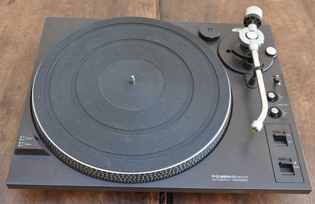 Gira discos para projecto marca  National/Technics