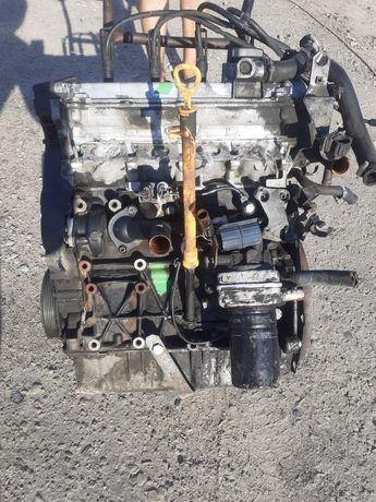 Двигатель AGN 1.8I на vw golf 4 skoda oktavia tur Audi a3