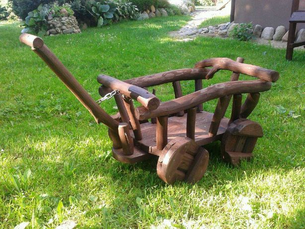 Wózek ogrodowy drewniany ozdoba