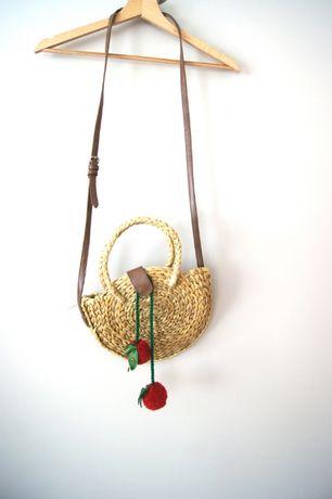 brązowa boho wiklinowa wiklynowa mała retro torebka z paskiem mała top