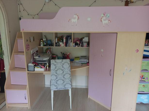Продам детскую кровать+шкаф+стол с полками 3 в 1
