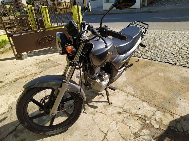 Vendo mota SYM XS 125