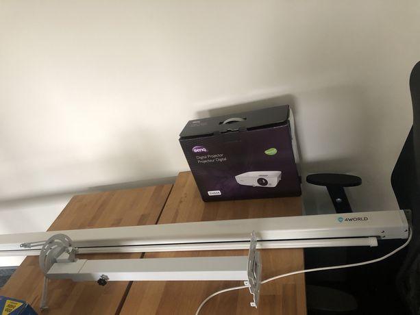 Zestaw projektor + uchwyt + ekran